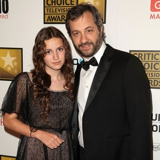 Maude Apatow, Judd Apatow in 2012 Critics' Choice TV Awards - Arrivals