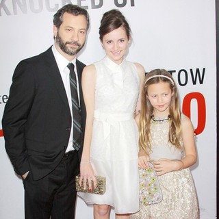 Judd Apatow, Maude Apatow, Iris Apatow in This Is 40 - Los Angeles Premiere - Arrivals