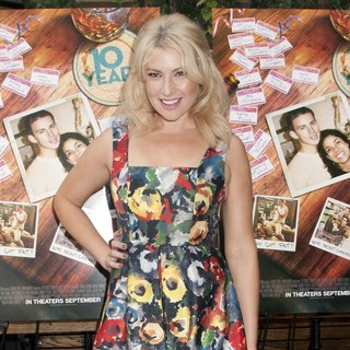 Ari Graynor in 10 Years Brunch Reunion Event - Arrivals - ari-graynor-10-years-brunch-reunion-event-02