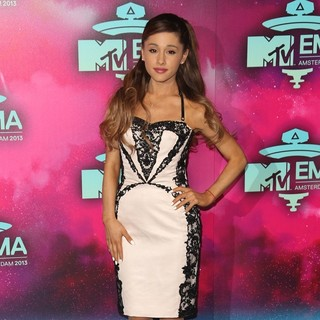 Ariana Grande in 20th MTV Europe Music Awards - Arrivals