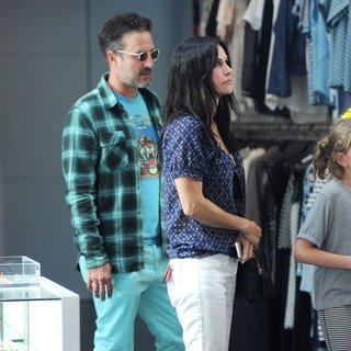 David Arquette - Courteney Cox and David Arquette Seen Out Together for A Shopping Spree
