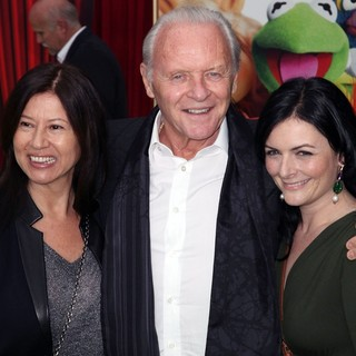 Stella Arroyave, Anthony Hopkins in The Premiere of Walt Disney Pictures' The Muppets - Arrivals