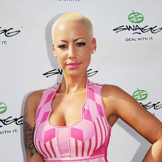 Amber Rose in 11th Annual Art For Life Benefit