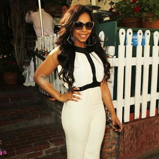 Ashanti Arrives to The Ivy for A Late Lunch - ashanti-arrives-to-the-ivy-01