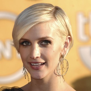 Ashlee Simpson in The 18th Annual Screen Actors Guild Awards - Arrivals
