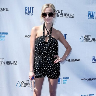 Ashlee Simpson Hosts Fiji Water Summer Soak Las Vegas - ashlee-simpson-hosts-fiji-water-summer-soak-03
