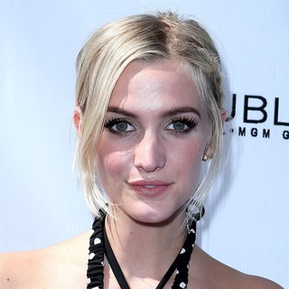 Ashlee Simpson Hosts Fiji Water Summer Soak Las Vegas - ashlee-simpson-hosts-fiji-water-summer-soak-04