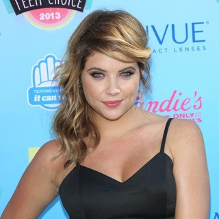 Ashley Benson in 2013 Teen Choice Awards