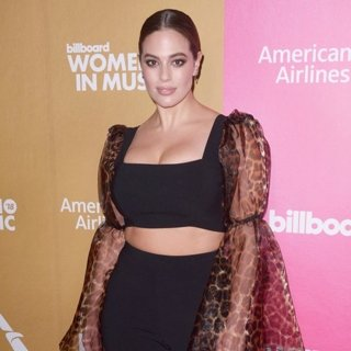Ashley Graham in Billboard Women in Music 2018 - Red Carpet Arrivals