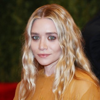 Ashley Olsen in PUNK: Chaos to Couture Costume Institute Gala - ashley-olsen-chaos-to-couture-costume-institute-gala-01