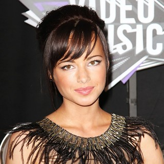Ashley Rickards in 2011 MTV Video Music Awards - Arrivals