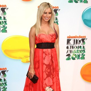 Ashley Tisdale in 2012 Kids' Choice Awards - Arrivals