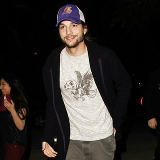 Ashton Kutcher in Ashton Kutcher Arrives at The Basketball Match Between Los Angeles Lakers Vs. Rockets