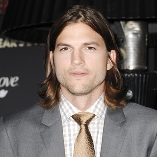 Ashton Kutcher in Los Angeles Premiere of New Year's Eve