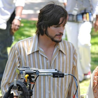 Ashton Kutcher in On The Set of Movie Jobs