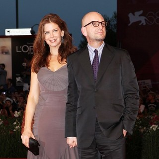 Jules Asner, Steven Soderbergh in The 68th Venice Film Festival - Day 4 - Contagion - Premiere- Arrivals