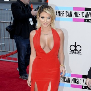 Aubrey O'Day in 2013 American Music Awards - Arrivals