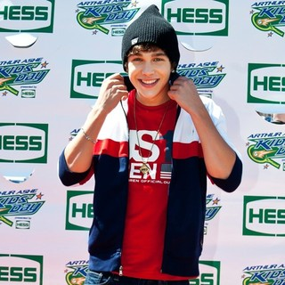 Austin Mahone in 2013 Arthur Ashe Kids Day