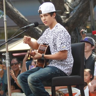 Austin Mahone in Austin Mahone Films Extra