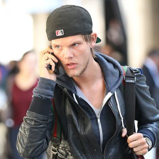 Avicii - Avicii Arrives at Los Angeles International Airport