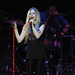 Avril Lavigne in The Y100 Jingle Ball 2011