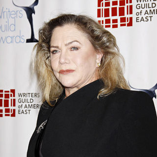 Kathleen Turner in The 63rd Annual Writers Guild Awards - Arrivals