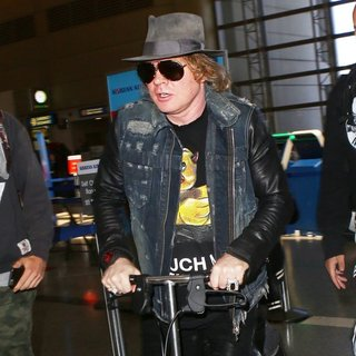 Guns N' Roses - Axl Rose Arrives at Los Angeles International Airport