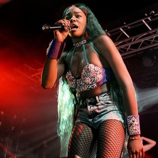 Azealia Banks in Azealia Banks Performing