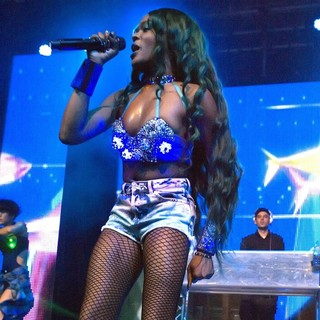 Azealia Banks in Azealia Banks Performs Live at A Headlining Gig