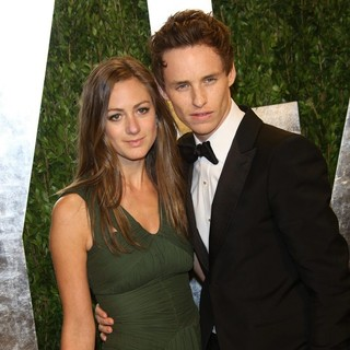 Hannah Bagshawe, Eddie Redmayne in 2013 Vanity Fair Oscar Party - Arrivals
