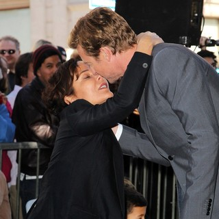 Rebecca Rigg, Simon Baker in Simon Baker Is Honoured with A Star on The Hollywood Walk of Fame
