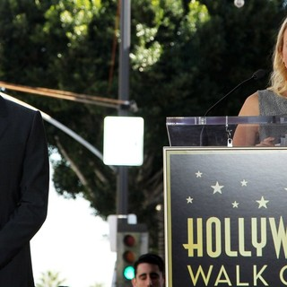 Naomi Watts in Simon Baker Is Honoured with A Star on The Hollywood Walk of Fame - baker-watts-simon-baker-walk-of-fame-02