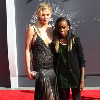 Ireland Baldwin, Angel Haze in 2014 MTV Video Music Awards - Arrivals