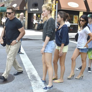Alec Baldwin, Ireland Baldwin, Hilaria Thomas in Alec Baldwin and His Family Take A Stroll in Downtown Manhattan on The Day After His Wedding