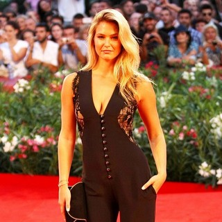 Bar Refaeli in The 68th Venice Film Festival - Day 2 - Carnage - Red Carpet