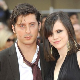 Carl Barat, Edie Langley in Philips British Academy Television Awards in 2011 - Arrivals