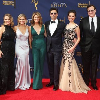 Andrea Barber, Candace Cameron, Lori Loughlin, John Stamos, Caitlin McHugh, Bob Saget, Kelly Rizzo in 2018 Creative Arts Emmy Awards - Day 1 - Arrivals