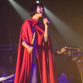 Bat for Lashes Performs Live