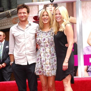 Chelsea Handler - Jennifer Aniston Is Honoured with A Hand and Footprint Ceremony