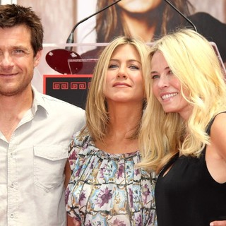 Jason Bateman, Jennifer Aniston, Chelsea Handler in Jennifer Aniston Is Honoured with A Hand and Footprint Ceremony