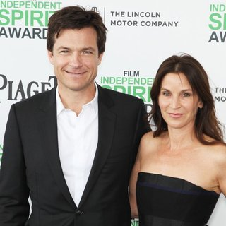 Jason Bateman, Amanda Anka in The 2014 Film Independent Spirit Awards - Arrivals