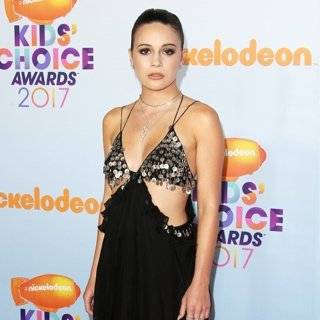 Bea Miller in Nickelodeon's 2017 Kids' Choice Awards - Arrivals