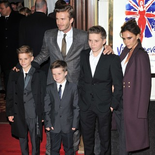 David Beckham, Brooklyn Beckham, Romeo Beckham, Cruz Beckham, Victoria Adams in VIVA Forever Spice Girls The Musical - Arrivals