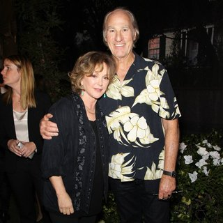 Bonnie Bedelia, Craig T. Nelson in NBC's Parenthood 100th Episode Celebration and Cake-Cutting Ceremony