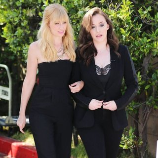Kat Dennings and Beth Behrs Appear on Extra