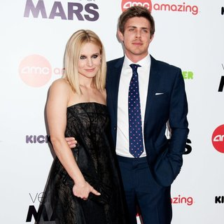 Kristen Bell, Chris Lowell in Veronica Mars Screening - Arrivals