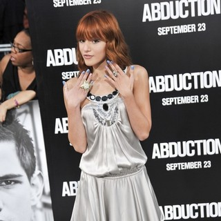 Bella Thorne in The Premiere of Abduction - Arrivals