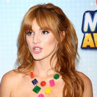 Bella Thorne in Radio Disney Music Awards 2013 - bella-thorne-radio-disney-music-awards-2013-02