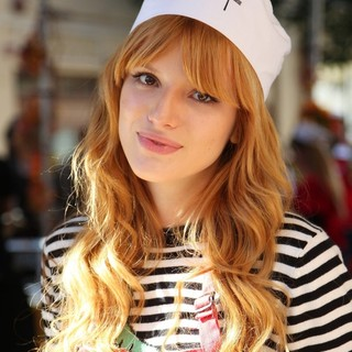 Bella Thorne in The LA Mission's Annual Thanksgiving for The Homeless