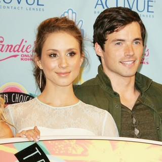 Troian Bellisario, Ian Harding in 2013 Teen Choice Awards - Press Room